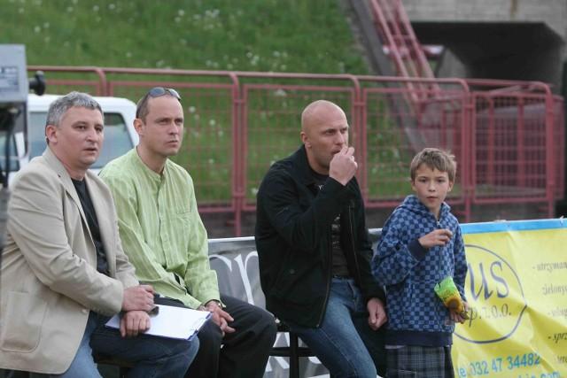 Bramkarz Jakub Kafka (drugi z lewej) jest kontuzjowany