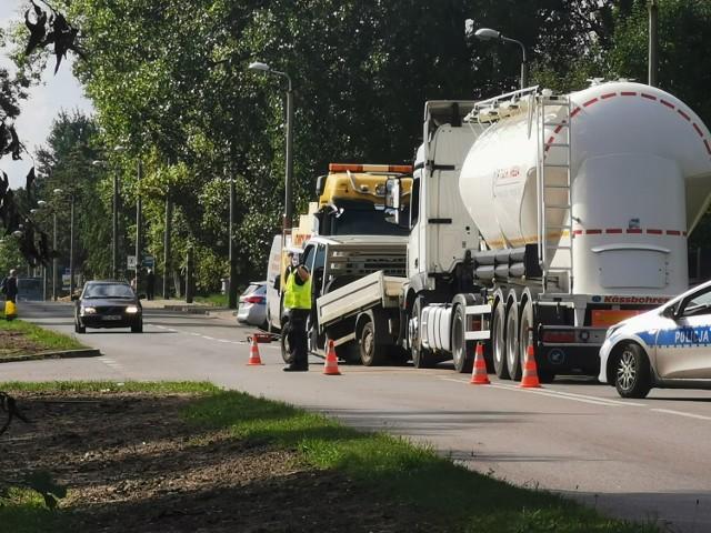 Wypadek w Bytomiu. Samochód ciężarowy zderzył się z dostawczym.