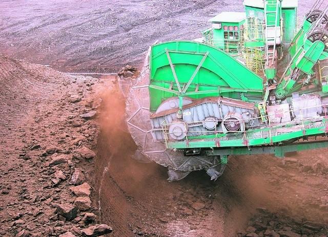 Dolny Śląsk jest bogaty w surowce, zwłaszcza w węgiel brunatny, który jest wykorzystywany przez Elektrownię Turów