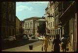 Tarnów. Kiedyś Wałowa nie była deptakiem i tętniła życiem. Minęło 30 lat od chwili zamknięcia ulicy dla samochodów i autobusów [ZDJĘCIA]