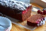 Czekoladowe ciasto z wiśniami. Pyszne ciasto przygotujesz w pięć minut (WIDEO, ZDJĘCIA)