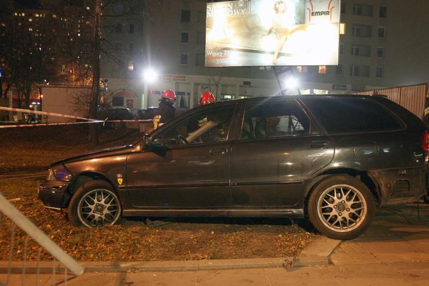 Volvo dachowało na Sienkiewicza [ZDJĘCIA]