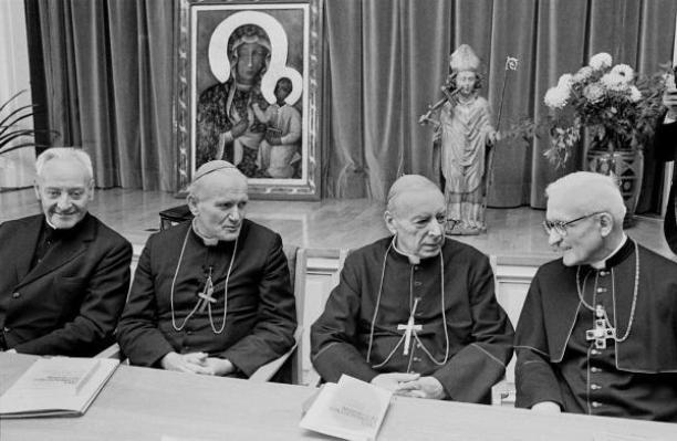 d lewej: kardynałowie Herman Volk, Karol Wojtyła, Stefan Wyszyński , Joseph Hoeffner w czasie wizyty Episkopatu Polski w Niemczech tuż przed październikowym konklawe.