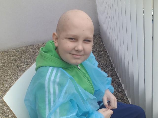 Wojtek Mierzejewski z Żar jest uczniem Szkoły Podstawowej nr 2. Od dwóch miesięcy jest w szpitalu, zdiagnozowano u niego białaczkę limfoblastyczną. Potrzebna jest pomoc we wsparciu leczenia.