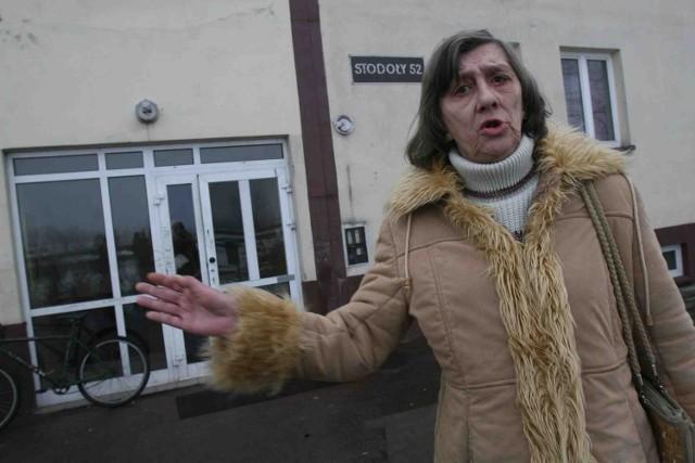 Natalia Molitor, lokatorka bloku przy ulicy Stodoły, chętnie wyprowadziłaby się do spokojniejszego miejsca