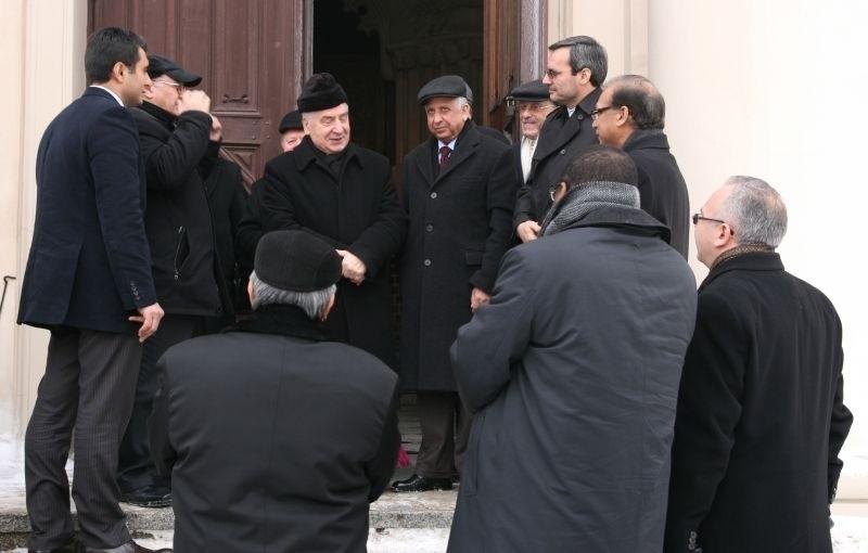 Podczas spotkania z prymasem arabscy ambasadorzy zwiedzili katedrę w Gnieźnie