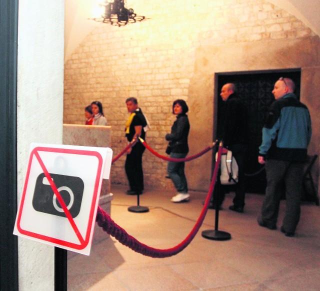 W krypcie na Wawelu nie można już robić zdjęć