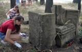 Bydgoszczanie wyruszą na Ukrainę, by przywracać pamięć polskim mogiłom i rozmawiać z młodymi o historii miejsc