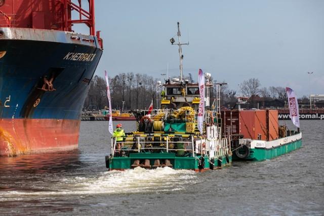 Barka wypłynęła z portu w Gdańsku dziś krótko po południu