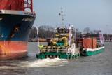Kujawsko-Pomorskie. Wisłą płynie załadowana kontenerami barka. Mamy zdjęcia