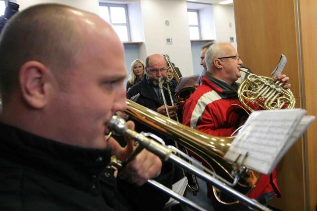 Filharmonicy częstochowscy zagrali radnym w tonacji molowej