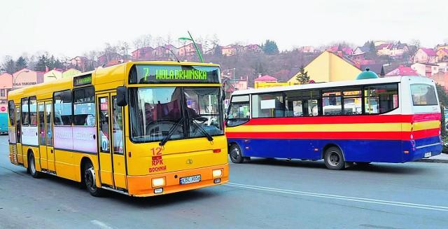 Po Bochni kursują autobusy miejskie i RPK, tylko w tych pierwszych emerycie jeźdźą gratis