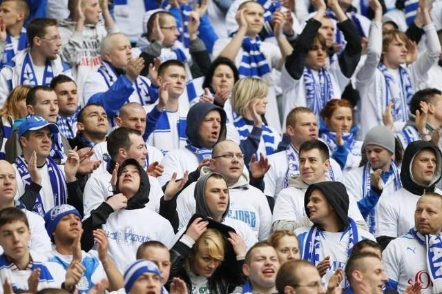Kibice Leca Poznań wybierają się do Warszawy, mimo że nie zostaną wpuszczeni na stadion i nie mogą zorganizować manifestacji.