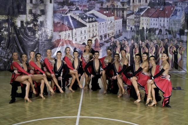 """Chełmscy tancerze z """"TAKT - CHADEK"""" wystąpią w show Polsatu """"Tylko taniec - Got to dance""""."""