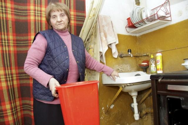 W mieszkaniu pani Ireny od ubiegłego tygodnia nie ma wody