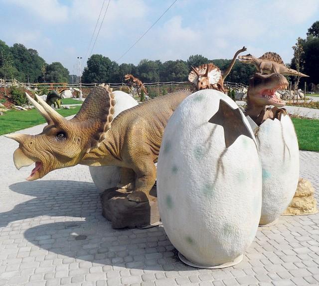 Dinozaury w Ochabach są już gotowe na przyjęcie turystów