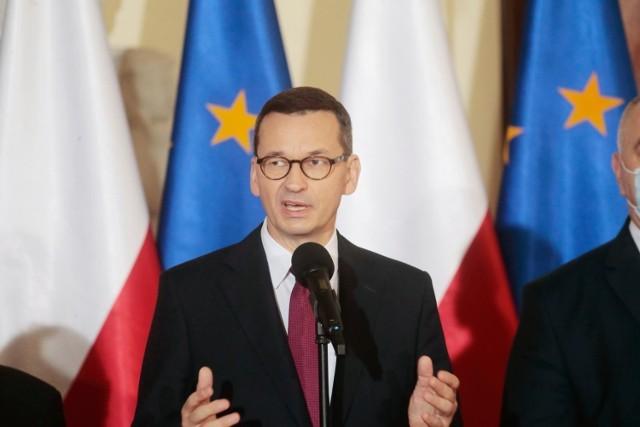Premier Mateusz Morawiecki ogłasza kolejny etap luzowania gospodarki.