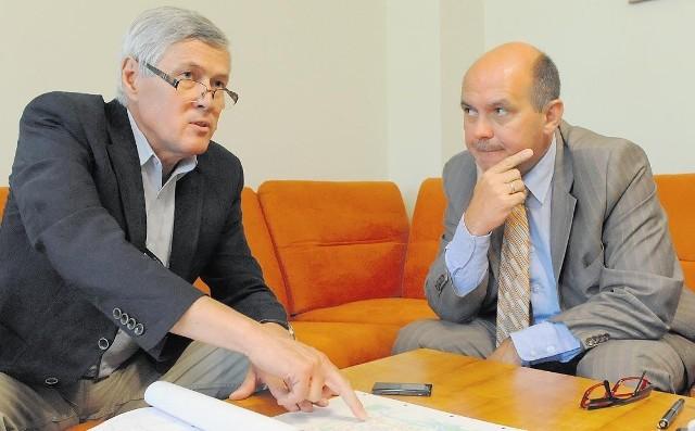 Paweł Chudziński (z prawej), prezes Aquanetu i jego zastępca Włodzimierz Dudlik zapewniają, że COŚ nie będzie tak uciążliwa