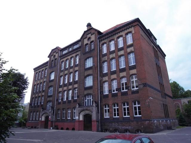 VIII LO przeniesie się do budynku przy ul. Cegielskiego 1.