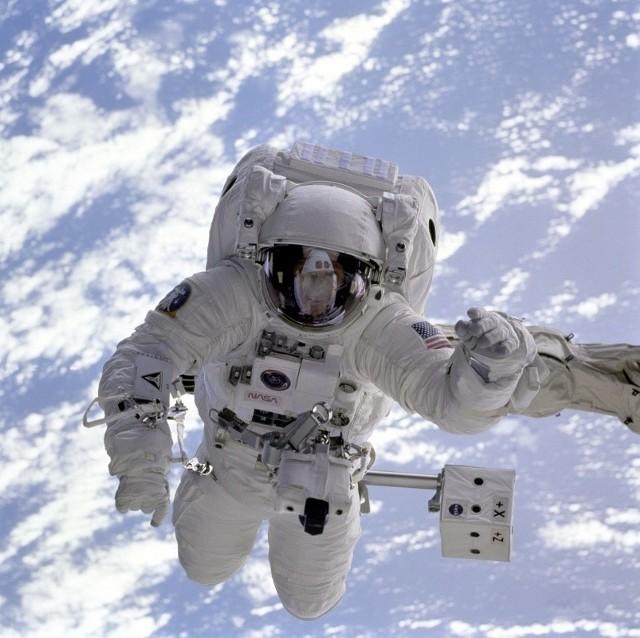 Astronauci odpowiedzą w piątek na pytania internautów