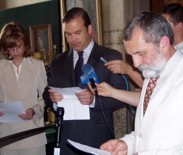 Paweł Sanguszko (w środku) walczy o prawo do rodzinnej kolekcji