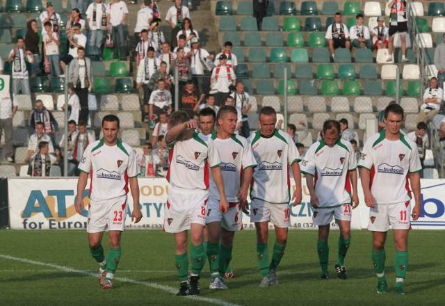 Piłkarze Zagłębia nie odważyli się podejść do kibiców i przeprosić za fatalną postawę