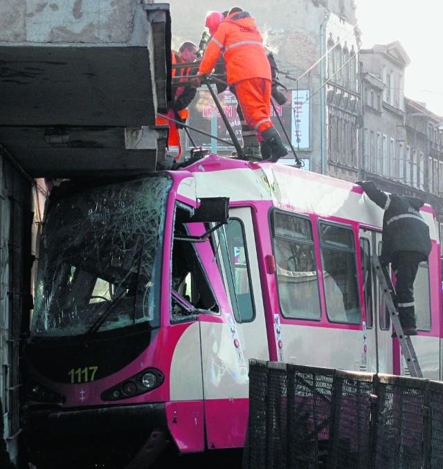 Tramwaj linii 7 zostanie naprawiony i powróci na tory