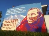 W Gorzowie powstał mural ku pamięci Jerzego Kukuczki. Na prywatne zlecenie i na prywatnym domu! Zobacz zdjęcia