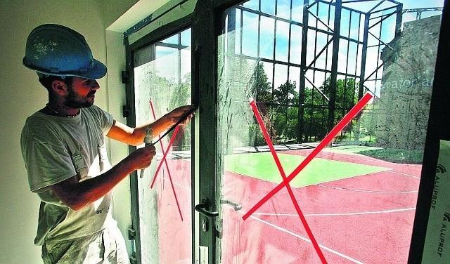 Uczniowie IX LO przy ul. Skargi będą musieli poczekać na boisko do streetballa co najmniej do października tego roku