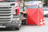 Śmiertelny wypadek na obwodnicy Mogilna. Nie żyje pasażerka auta