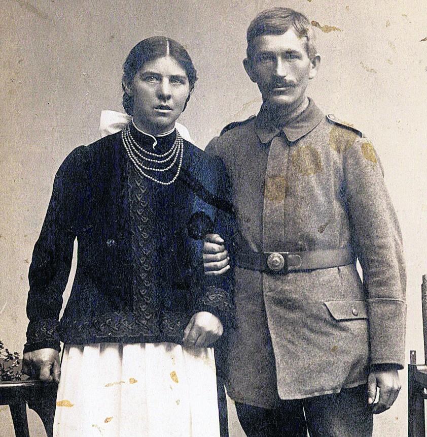 Z mężem Szczepanem Gadziemskim zamieszkała przy Głównej