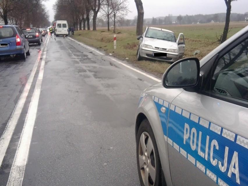 Kolonia Pałecznica: Zderzenie osobowego fiata i busa