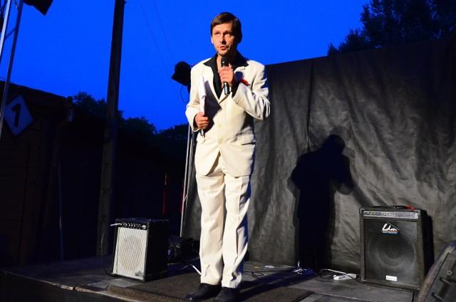 Adam Ziajski, szef Teatru Strefa Ciszy, prowadzi swą Scenę Roboczą z dala od śródmieścia