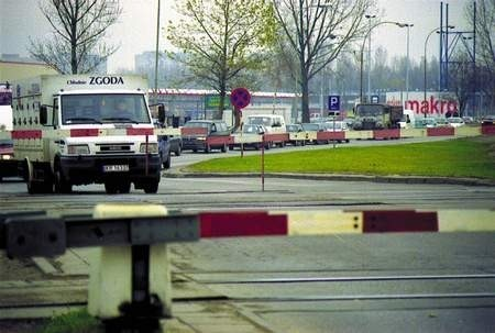 Na ul. Jagiellońskiej powstanie wiadukt i - jak mają nadzieję kierowcy - wreszcie nie będzie korków.  JACENTY DĘDEK