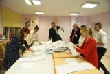 Burmistrzowie na polecenie wojewodów przekażą Poczcie Polskiej nasze dane. Możliwy będzie handel kartami do głosowania