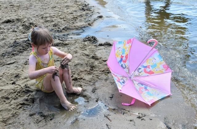Zbąszyń miasto nad jeziorem. Plaża, lipiec, wakacje nad jeziorem Błędno - 13.07.2021