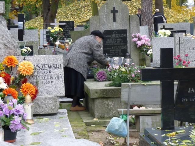 Zdjęcie ilustracyjne/Ruch Palikota chce w Lublinie urzędnika od świeckich pogrzebów