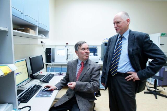 Profesor Ryszard W. Adamiak i profesor Jacek Błażewicz  opracowali  metodę, która dokona rewolucji w projektowaniu nowych leków.