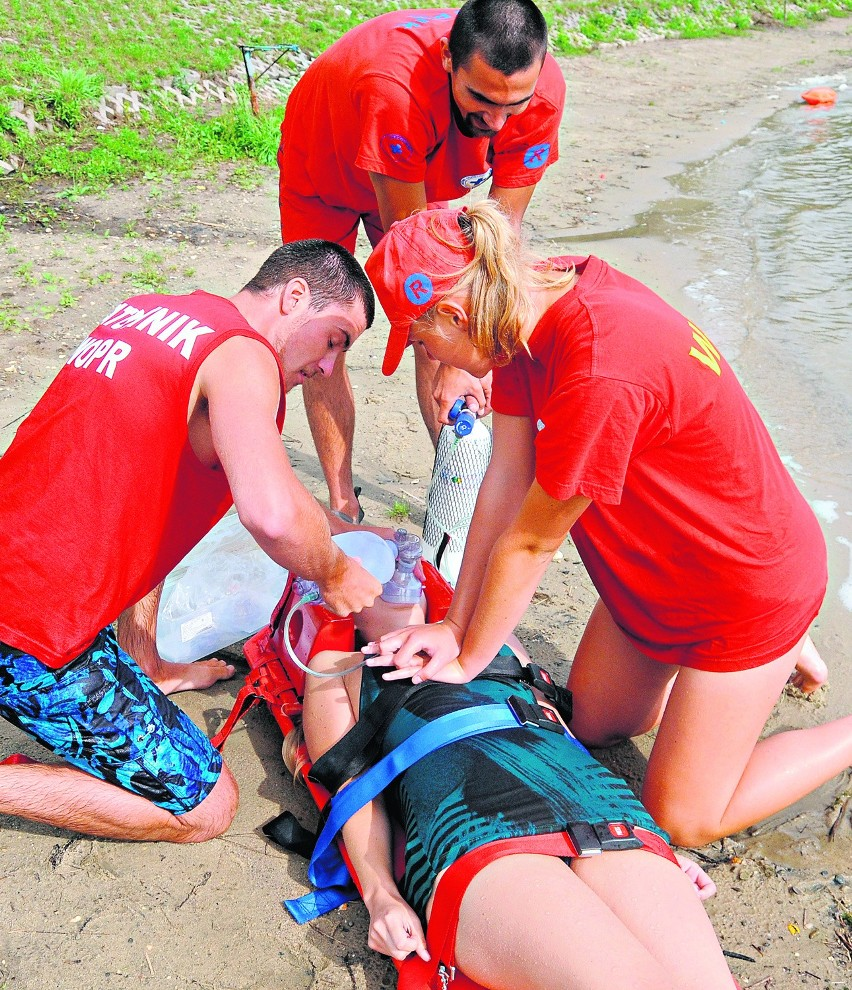 2 mężczyźni utonęli podczas pływania w Grabi pod Pabianicami i w Czarnej koło Sulejowa.