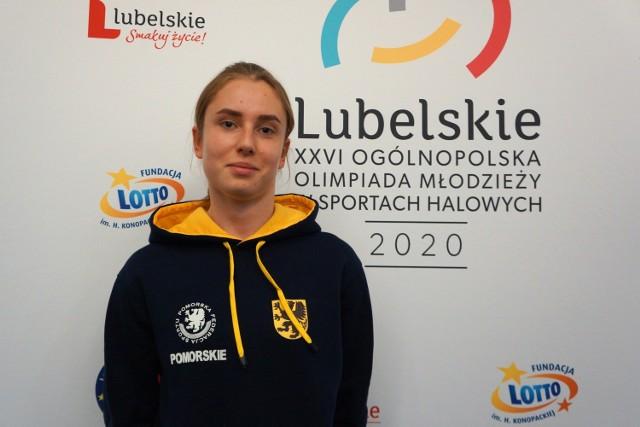 Marianna Konkel z UKS Bliza Władysławowo na Ogólnopolskiej Olimpiadzie Młodzieży w Sportach Halowych