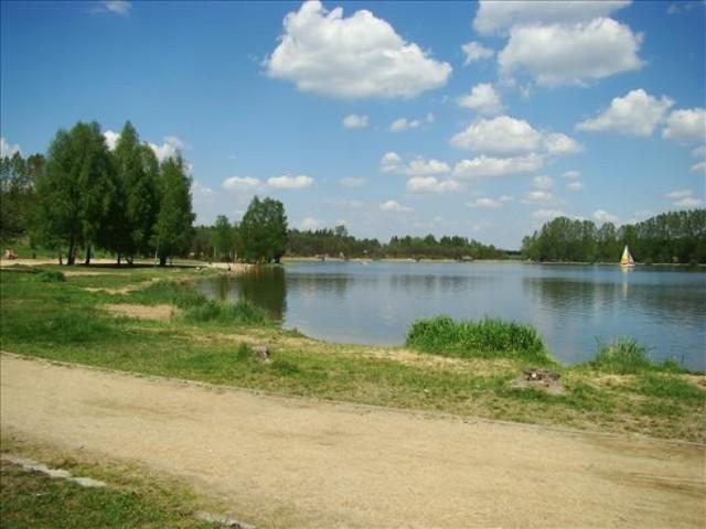 Zbiornik wodny Sosina w Jaworznie pod zarządem OWR jest już czynny. Zalew wraz z kompleksem leśno-łąkowym położonym wokół zbiornika, tworzy wspaniały ośrodek wypoczynkowo-rekreacyjny. Wstęp na zalew jest bezpłatny.  Nad zalew można dojechać autobusem PKM Jaworzno u numerze 390, który jeździ na reasie: KRAKOWSKA – (…) – PECHNIK – LEOPOLD – (…) – OSIEDLE STAŁE – (…) – NIEDZIELISKA – (…) – DŁUGOSZYN – (…) – GÓRA PIASKU – (…) – SZCZAKOWA DWORZEC PKP – (…) – ZALEW SOSINA.  Taryfikator opłat za wjazdy na teren OWR Sosina:  1. Samochód osobowy, quad: sobota, niedziela oraz dni ustawowo wolne od pracy 10,00 zł pozostałe 5,00 zł 2. Autokar (wszystkie dni tygodnia) 20,00 zł 3. Pojazd jednośladowy z napędem mechanicznym (wszystkie dni tygodnia) 2,00 zł 4. Karnet sezonowy na samochód osobowy 100,00 zł 5. Karnet sezonowy dla członków PZW Katowice 25,00 zł 6. Korzystanie z grilla na paliwo stałe poza miejscami wyznaczonymi 300 zł