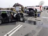Łososina Dolna wypadek. Sześć osób rannych w zderzeniu dwóch aut na krajówce. Zablokowana droga