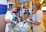 Jak pielęgniarki z Polnej ratują noworodki [ZDJĘCIA]