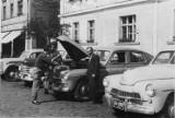 Historia Nowej Soli. Tym się kiedyś jeździło po mieście, kiedy zdjęcia jeszcze były tylko czarno - białe. Zobaczcie te wyjątkowe zdjęcia