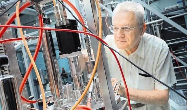 - Stworzyliśmy nowoczesną biorafinerię - tłumaczy prof. Włodzimierz Grajek z Katedry Biotechnologii i Mikrobiologii Żywności.
