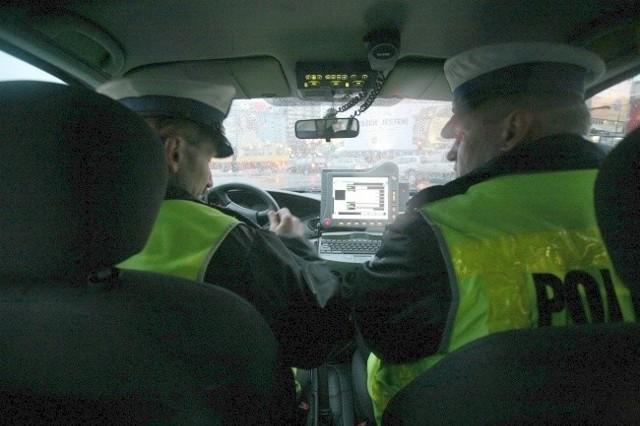 Nowelizacja ustawy o ruchu drogowym pozwala policjantowi zabrać prawo jazdy bez dmuchania w alkomat