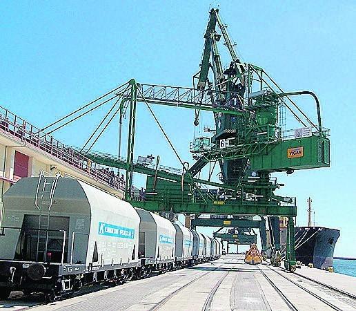 Nabrzeże Holenderskie Morskiego Terminalu Masowego