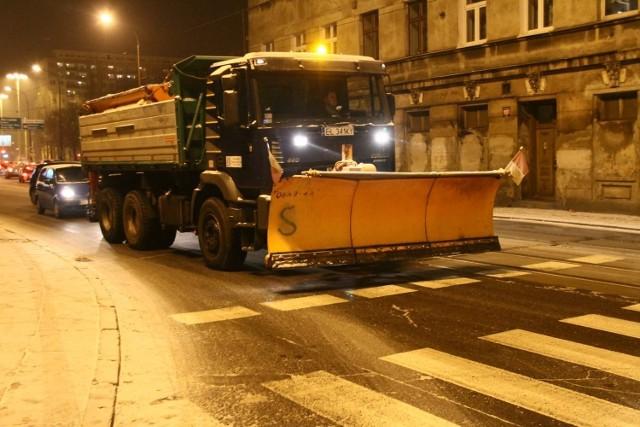 O 8:00 76 pługopiaskarek wyjechało na ulice Łodzi.