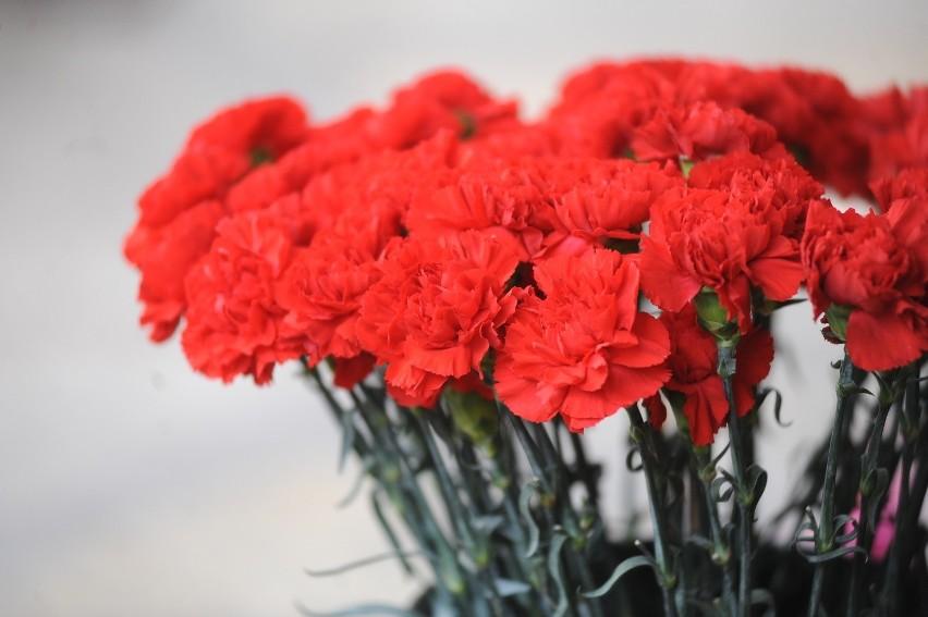 Florysta Porady żeby Kwiaty Dłużej Stały W Wazonie Głos
