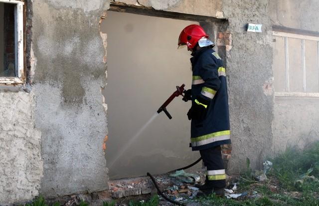 W sobotę w miejscowości Jarosławiec pow. hrubieszowski spłonął drewniany dom. Po przeszukaniu zgliszczy odnaleziono ciało 76-letniego właściciela. Zdjęcie ilustracyjne
